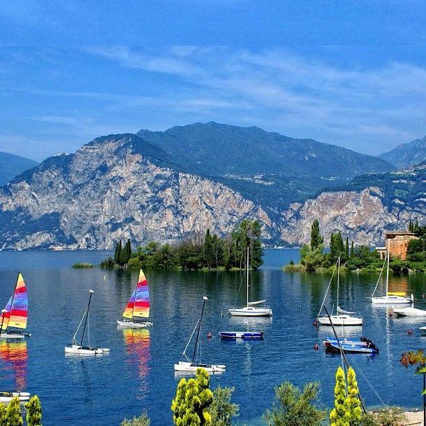 Explorando a região do Lago de Como - Italia - com suas baías e paisagens incríveis!  Lake Como, Italy!