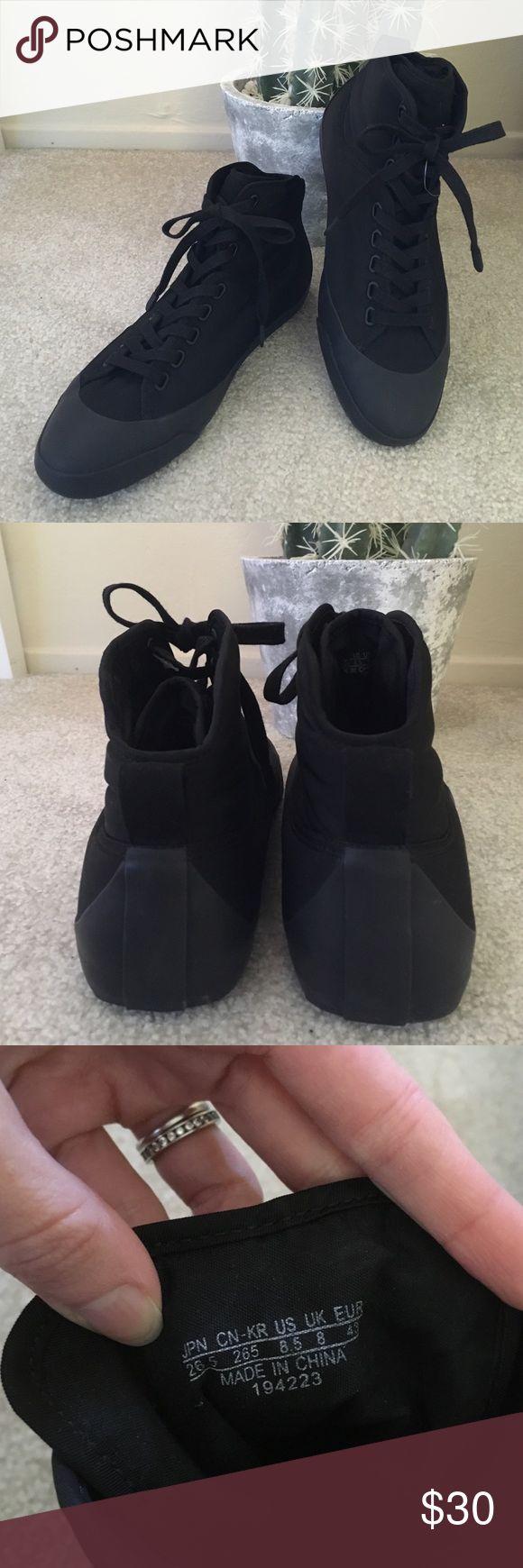 Uniqlo men's rain sneakers NEVER USED! Uniqlo men's rain sneakers Uniqlo Shoes Sneakers