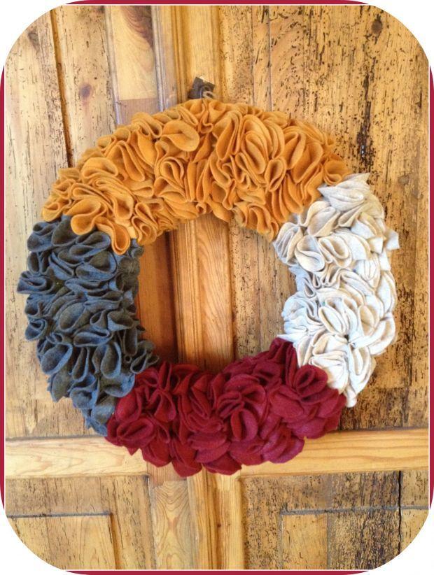 diy festive felt wreath!