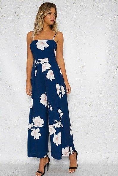 83afda5657 Compre aqui macacão azul floral