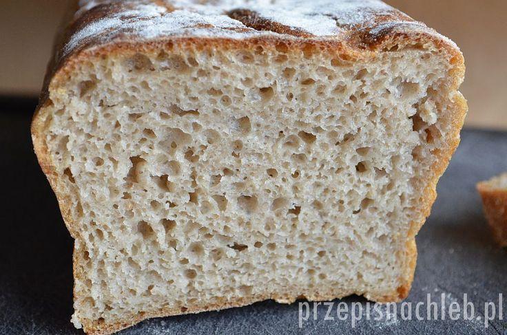 Nieskomplikowany przepis na chleb żytni, lecz tym razem nie razowy – ale jasny, z mąki żytniej chlebowej typ 720. Smaczny chleb o wilgotnej, gąbczastej i elastycznej strukturze. Nie wymaga długiego wyrabiania, wystarczy składniki wymieszać łyżką. Polecam zwłaszcza osobom początkującym w temacie wypieków pieczywa na zakwasie. Składniki Składniki na zaczyn Składniki na zaczyn wymieszać dokładnie i […]