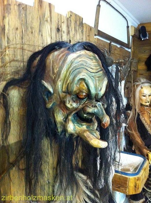 Zirbenholzmasken | Maskenschnitzer Viaschtei