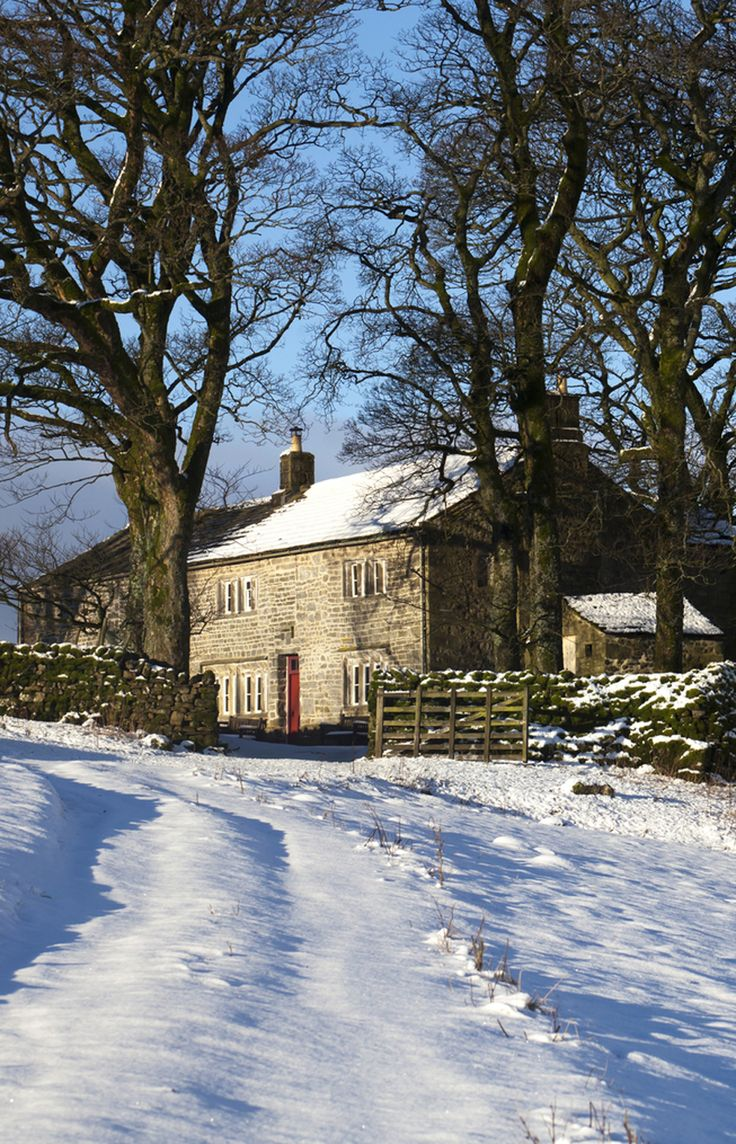 Cowside is a 17th-century farmstead at the heart of the North Yorkshire Dales National Park. It is a rare survival both for its unaltered state and the wall paintings in its parlour.
