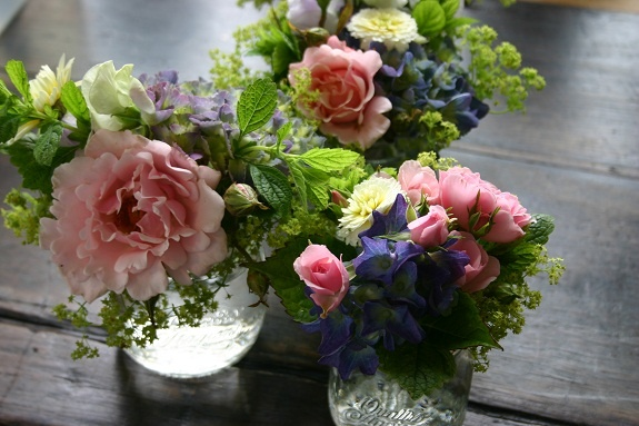 wedding table posie by Common Farm Flowers - just beautiful!