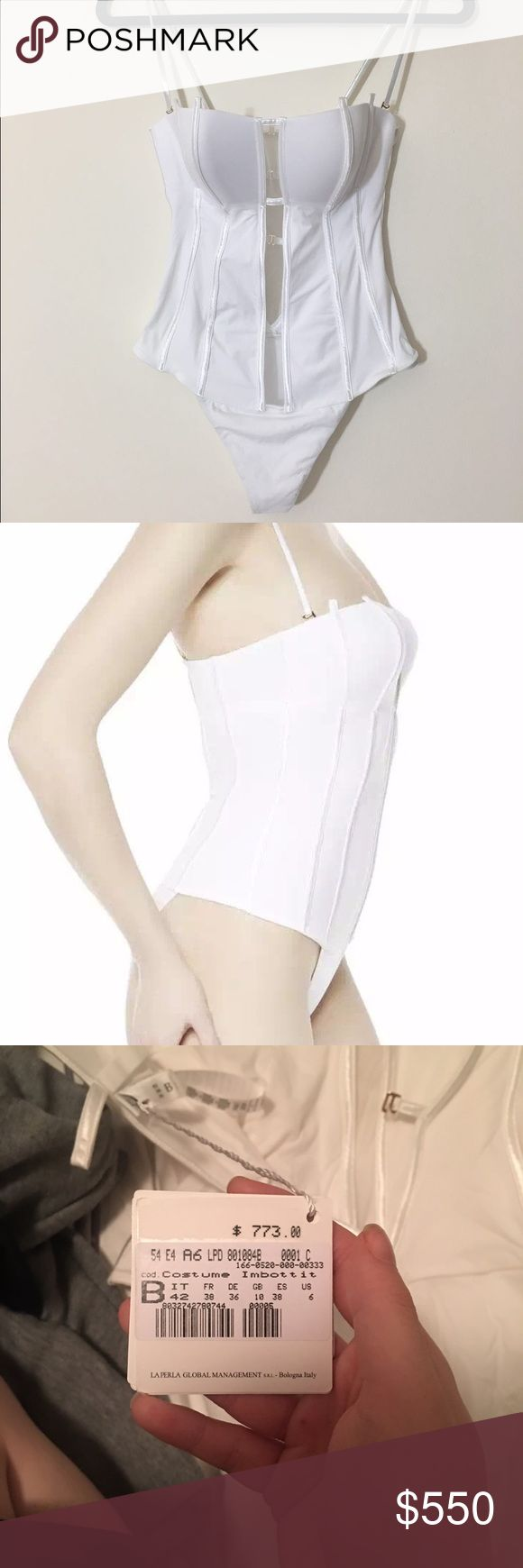Very sexy brand new La Perla one piece swimsuit! A one piece swimsuit you are going to fall in love with. Sexy interplay between white and nude tones, made in Portugal. Some part uses Lycra,an extremely stretchy fabric that moulds to the lines of the body. 160/84A, fits well for a size S La Perla Swim One Pieces