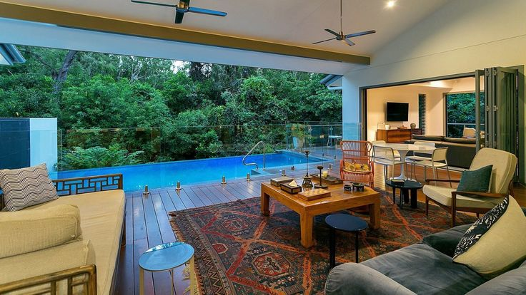 Executive Retreats Holiday Rentals Port Douglas Cairns Palm Cove Daintree Trinity Beach Clifton Beach Mission Beach Bedarra Island Newell Beach Oak Beach Wonga Beach  Holiday Home - Veldree
