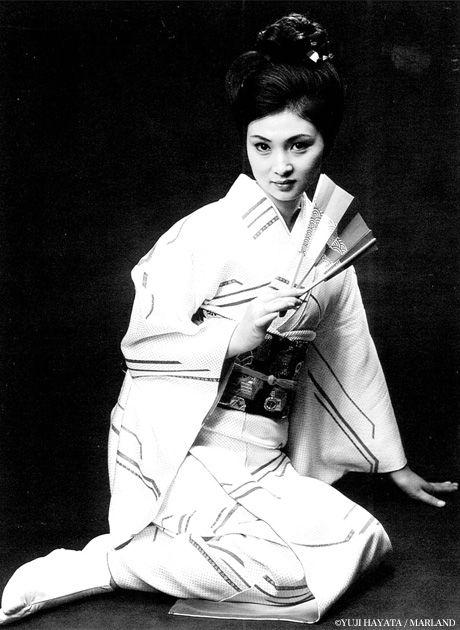 Meiko Kaji (梶芽衣子) photographed by Yuji Hayata (早田雄二).