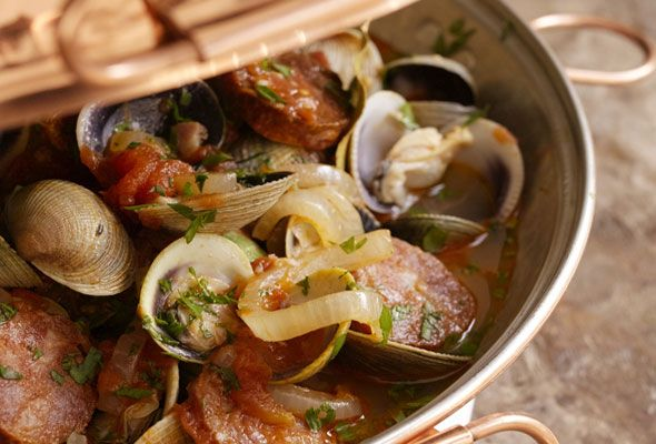 Clams and Sausage in a Cataplana. I have the Cataplana. Now I just have to do it!!  From Leite's Culinaria
