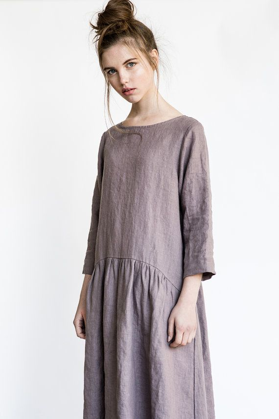 Washed and soft linen dress with sleeves and drop sides. The dress have pockets. The length of the dress is +/- 39.7 (101 cm). The lenght to +/- 43.3 (110 cm) can be added with no extra charge. Leave us a note about length while ordering. ++++++++++++++++++++++++++++++++++++++++++++++++++++++++++++++++++ WHAT MAKES YOUR ITEM SPECIAL. Our items are handmade in small studio in small quantities of washed linen fabric, specially woven for us by our local linen manufacturers. The procedure of…