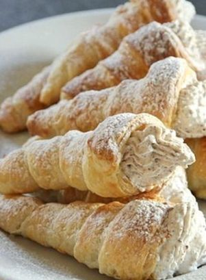 Chocolate and Amaretto Cream Horns   foodgio