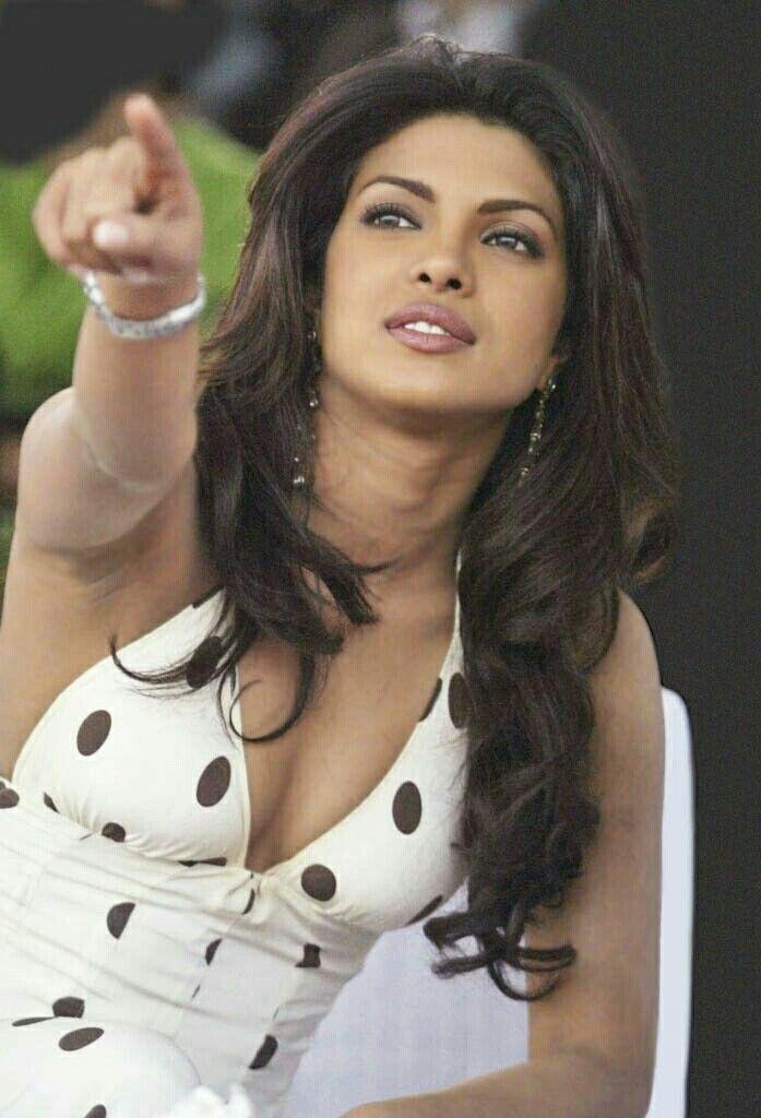 Pin by Kirit Soni on bharat | Priyanka chopra hot, Priyanka chopra