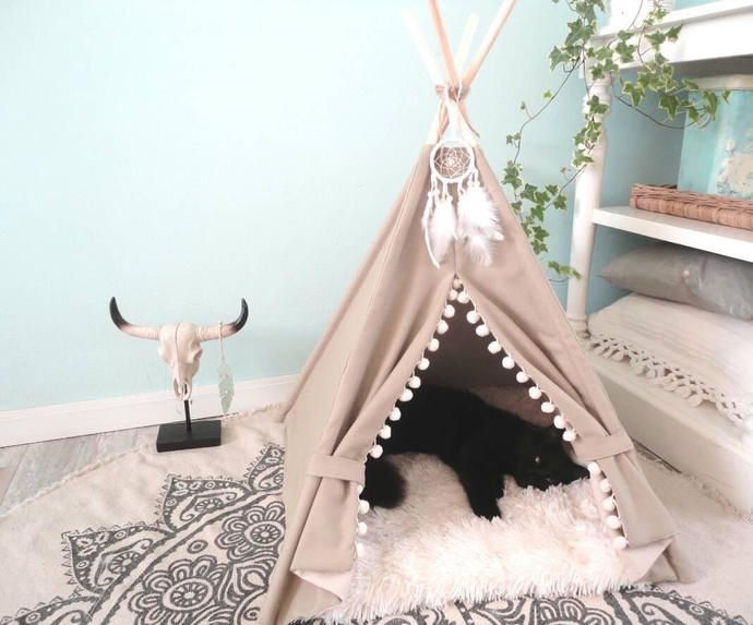 Pet teepee including fake fur or linen pillow, tent, tipi