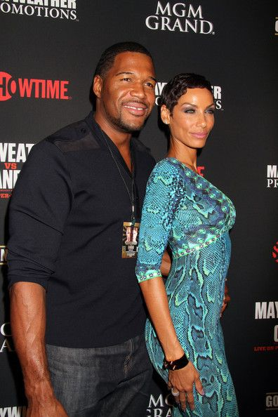 Michael Strahan and Nicole Murphy Photos - Nicole Murphy and Michael Strahan attend VIP pre Fight Party for Showtime PPV's Presentation at MGM Grand Garden Arena for the Floyd Mayweather Jr. vs. Canelo Alvarez boxing match in Las Vegas. - Stars at the MGM Grand for the Floyd Mayweather Jr. Fight