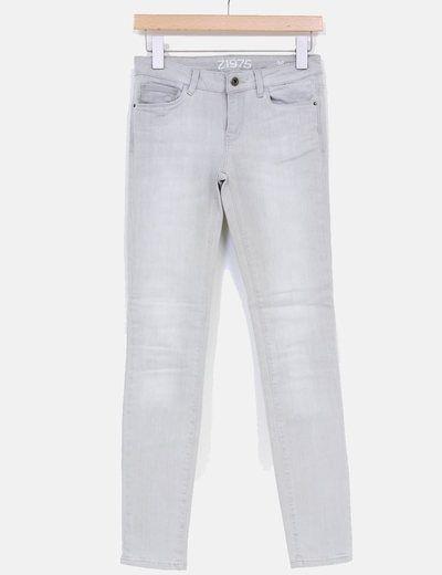 Vaqueros grises Zara