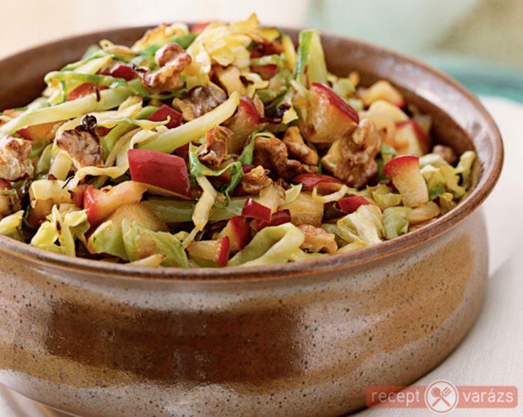 Párolt káposzta almával és köménnyel Készítsd el akár 2, vagy 12 főre, a Receptvarazs.hu ebben is segít!