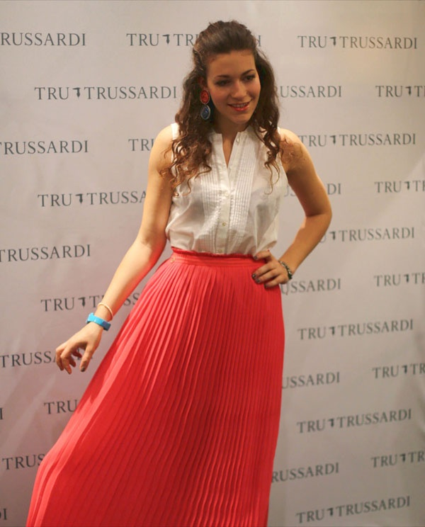 Love for this long skirt  see more on http://www.nuagerose.com
