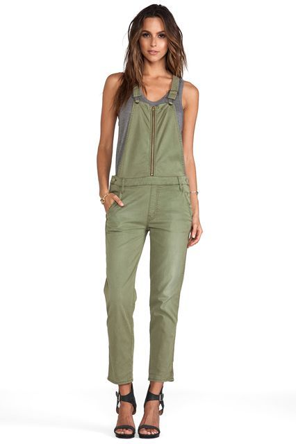 The Tomboy Way To Do Throw-On-&-Go #refinery29  http://www.refinery29.com/overalls#slide-13