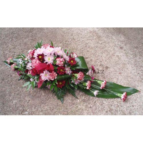 Smuteční kytice na hrob