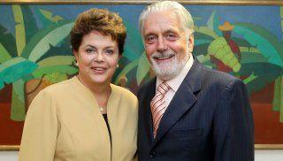 CULTURA,   ESPORTE   E   POLÍTICA: Wagner, o grilo falante da presidente Dilma