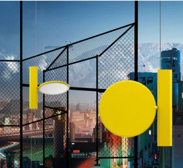Ok it is a floor lamp by Konstantin Grcic for Flos.  Ok clearly takes its inspiration from the famous parenthesis, not to mention the technological evolution of the last 40 years. The protagonist of this lamp is the light source.