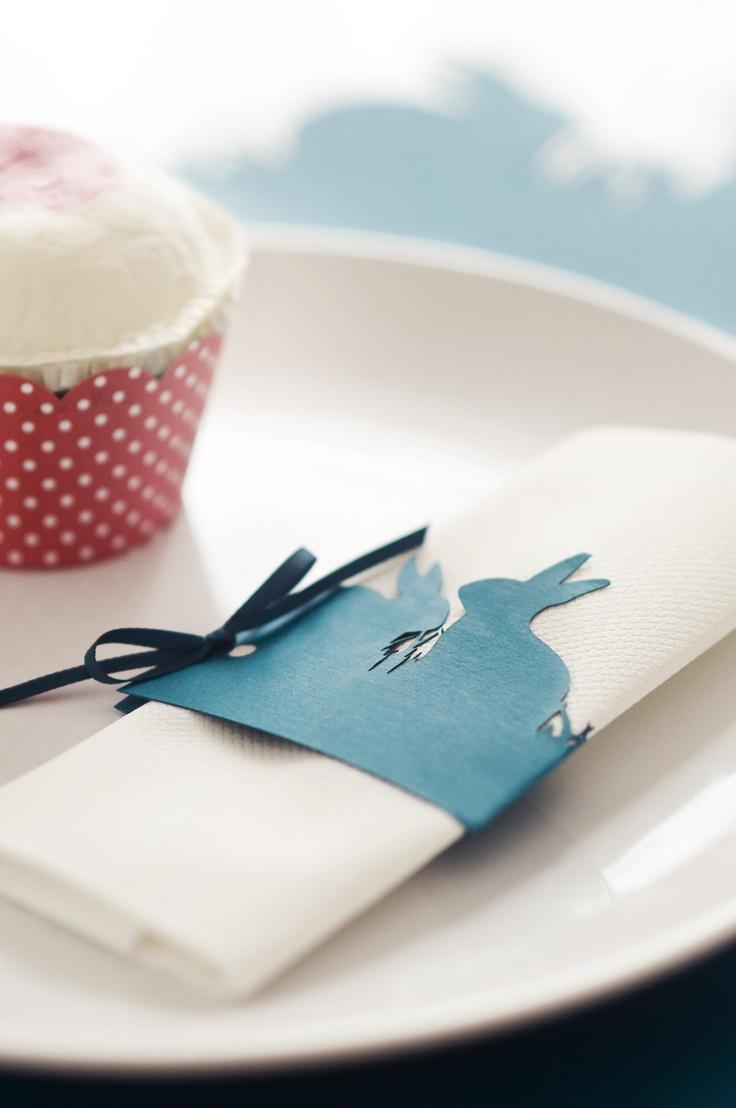 lasercut napkin ring with easter bunnies  www.karcsipapir.hu