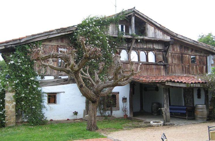 * Casa Loiuko Aspaldiko Bengoetxe * (Séc. XVI). Lujua, País Basco. Espanha.