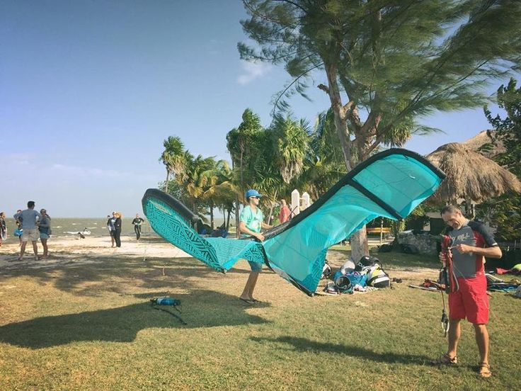 Good morning! Getting ready to work. Today in Isla Blanca again. Let's start!! #mexicancaribbeankitesurf #kite #kitesurf #kitetrip #kitetulum #kitemexico #kitesurfing #kitesurf #kiteschool #kiteboarding #islablanca #ikarus #bwsurf #aeneema #aeneemaokite #adventure #action #active #wateraddict #watersports #wind #windy #northwind #tulum #mexico #mayanriviera #travel #holidays #vacation #ikolessons #ikoinstructors #followfriday #friday #fridayfunday