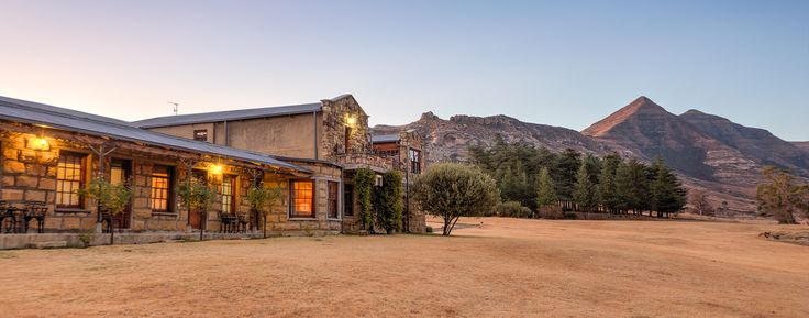 We sent our professional reviewer to find the best accommodation in Ficksburg. Here are her top 13 places to stay, seven of which are under R375 pppn.