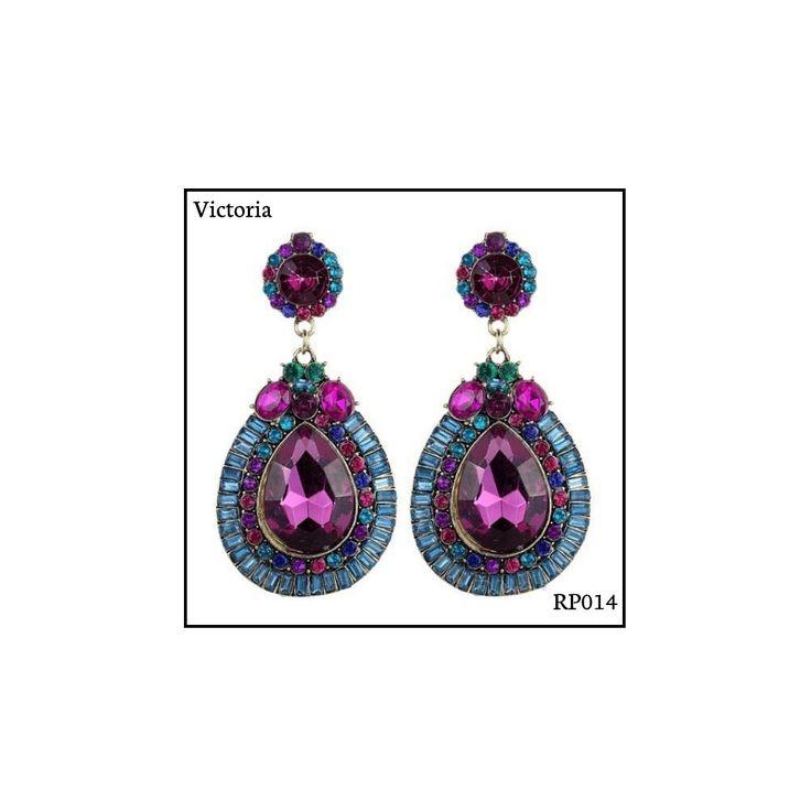 Ref: RP014 Victoria . Medidas: 7 cm x 3.5 cm . So Oh: 11.99 . Disponível para entrega imediata! Boas compras! #sooh_store #onlinestore #royal #brincos #earrings #fashion