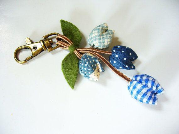 Handmade Keychain Tulip Keychain key fob flower by BlueTembo
