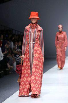 Long Outer Jacket - Jakarta Fashion Week 2016 | Itang Yunasz S/S Collection | Etnic Series www.itangsz.com
