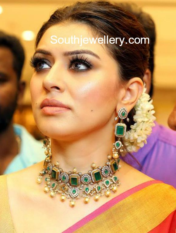 Hansika Motwani In An Emerald Choker Set By Azotiique Hansika Gold Necklace Hansika J Temple Jewelry Necklace Indian Choker Necklace Bridal Fashion Jewelry