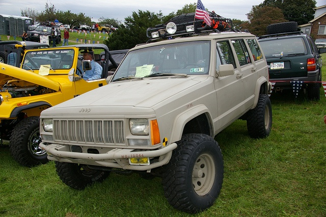Jeep Cherokee - XJ by geepstir, via Flickr