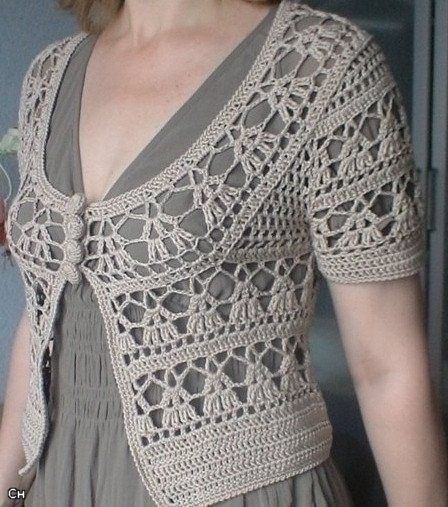 Elegant Crochet Sweaters: Crochet Circular Vest - Free pattern with or without sleeves!. Site is in Spanish but has diagrams for a bunch of different crochet projects.                                                                                                                                                      Más