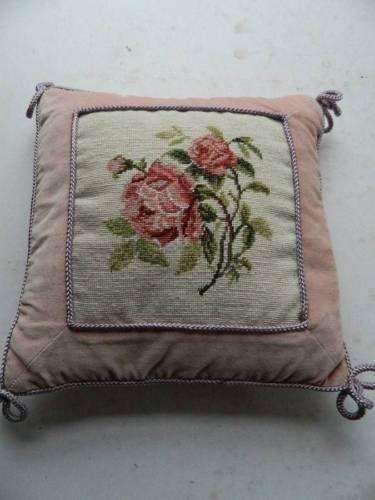 винтажное ручной работал гобелен & Velvet валик-розовые розы in Антиквариат, Текстиль для дома (до 1930 г.), Другие антикварные текстильные изделия | eBay