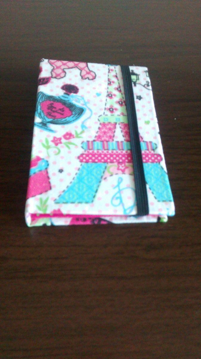 Case para iPhone com divisórias feita em cartonagem e tecido tricoline 100%algodão podemos produzir em tamanhos variados tire suas dúvidas no botão ( Contatar vendedor) estamos sempre à disposição de nossos clientes!!!