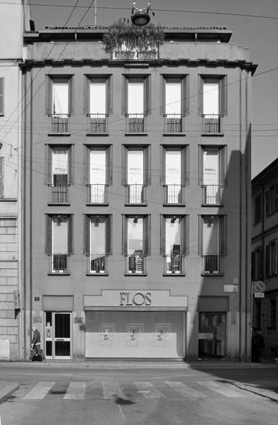 Edificio per abitazioni e negozi arch luigi caccia for Negozi di arredamento milano