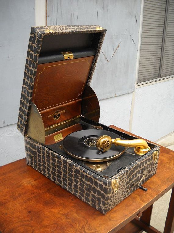 1920s Phonograph Wind Up Record Player Works Record