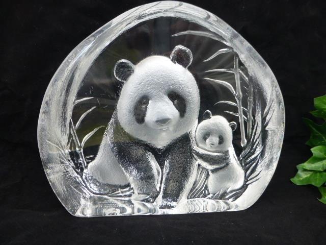 Stort Glasblock med pandor WWF Mats Jonasson på Tradera.com - Signerade