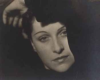Dora Maar, 1936. Man Ray.