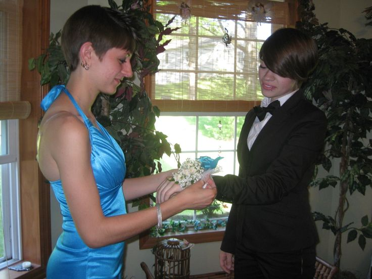 Lesbian Prom Gallery: Heartwarming Photos Of Girls Taking Girls To Prom,