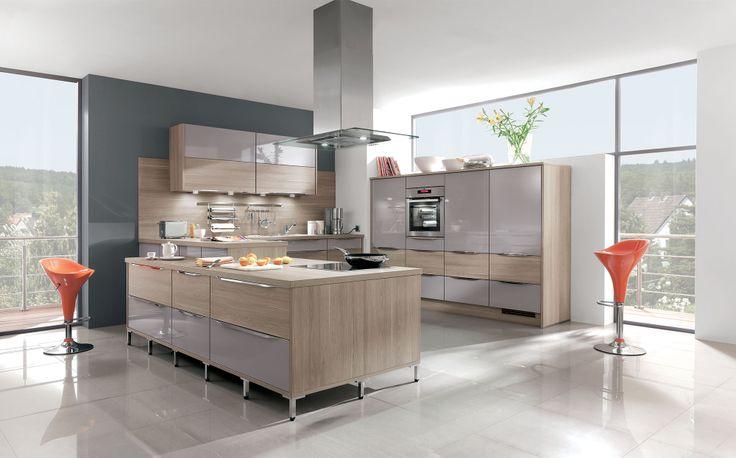 Splendide cuisine en u toute quip e aspect bois et couleur lilas spacieuse et fonctionnelle - Keuken amenagee et equipee ...