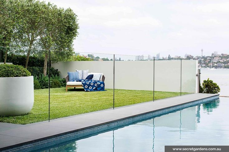 Modern pool with bluestone surrounds and mosaic interior
