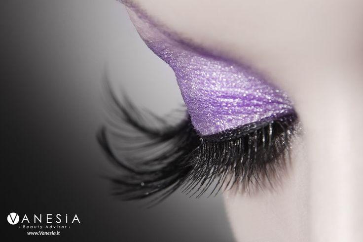 """Con il passare degli anni le #ciglia perdono di volume per svariati motivi. Quante volte vi è capitato di invidiare le ciglia foltissime dei bambini? La redazione di Vanesia oggi vi presenta i nuovi #mascara che puntano a stupire con effetti speciali, per un risultato """"ciglia finte"""". Avete già il vostro preferito? #ciglia #mascara #makeup"""