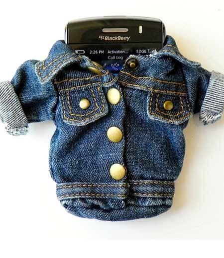 CrackBerry denim jacket: Jeans Jackets, Tiny Clothing, Phones Holders, Blue Jeans, Denim Clothing, Denim Jackets, Denim Cases, Denim Dare, Crackberri Denim