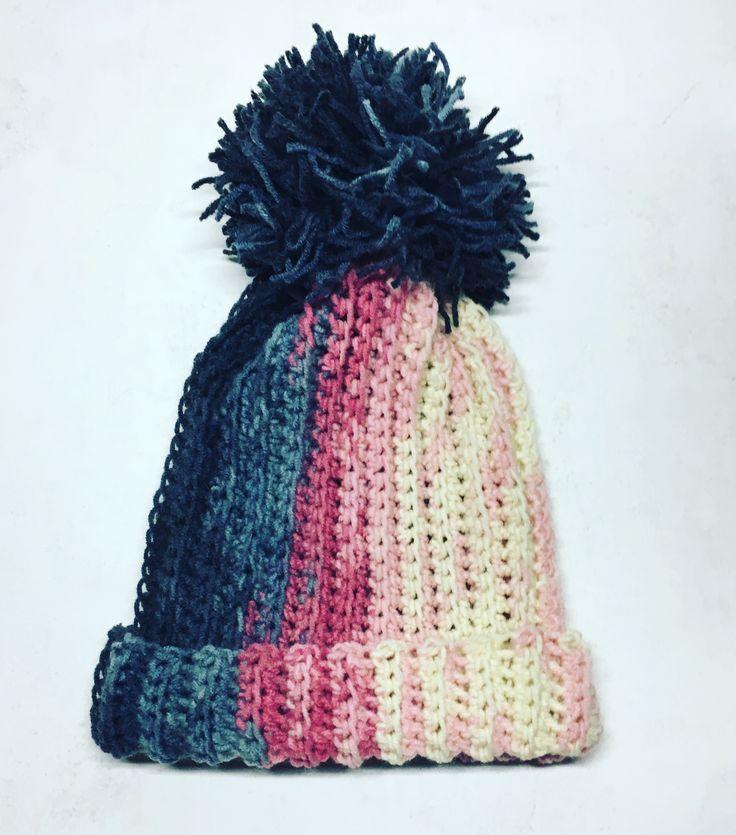 Czapka dziergana na szydełku crochet hat