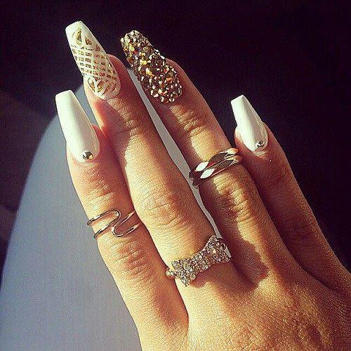 70 Ejemplos de uñas largas decoradas