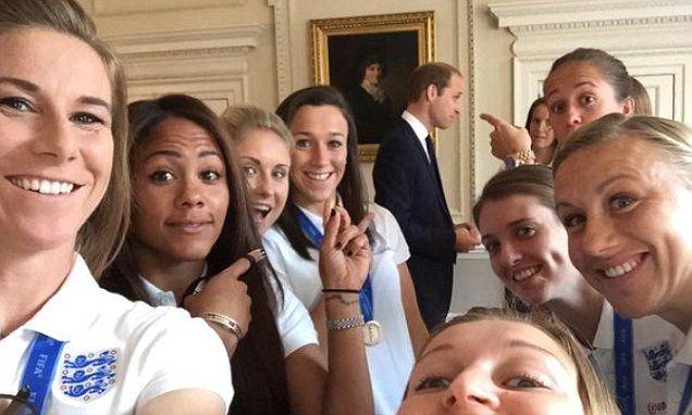 Prince William hosts England women's football team for breakfast