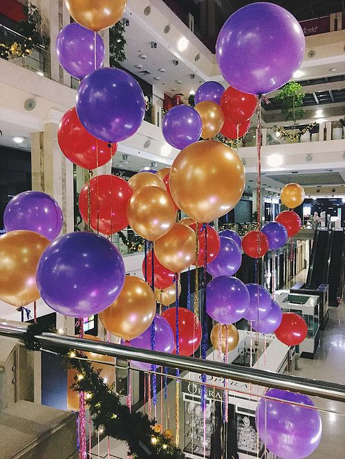 Huge balloons with shining tassels
