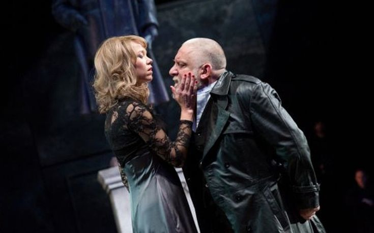 Anna Maxwell Martin as Regan and Simon Russell Beale as Lear in Sam Mendes's production of King Lear at the National Theatre